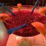 Ресторан Grizzly Bar - фотография 1 - Коктейль Егерь,порция на 2-х человек)