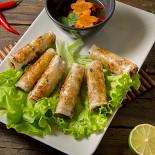 Ресторан NVB - фотография 1 - Нем - хрустящие вьетнамские рулетики с нежной начинкой