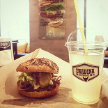 Ресторан Zhadina Burgers - фотография 2