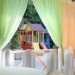 Ресторан Маска - фотография 3 - Летняя веранда