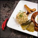 Ресторан Paulaner Bräuhaus - фотография 2 - Гуляш по-венгерски
