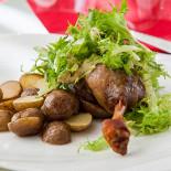 Ресторан Le bouchon café - фотография 4 - Конфи из утки
