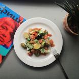 Ресторан Grey's - фотография 5 - Салат с пряным лососем