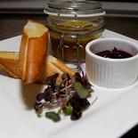 Ресторан Бельгийская брассери 0,33 - фотография 2 - Домашний паштет с фуа-гра и луковым мармеладом