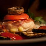 Ресторан Югос - фотография 1 - Куриное филе Югос.
