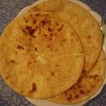 Ресторан Первая осетинская пироговая - фотография 2 - знаменитые осетинские три пирога-уалибаха