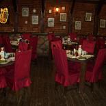 Ресторан Робин Бобин - фотография 1 - Первый зал Робина вмещает при банкете 30 чел.