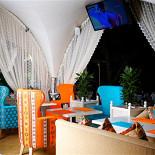 Ресторан Динар - фотография 3 - Летняя веранда