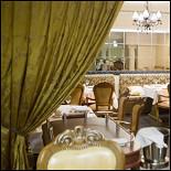 Ресторан Абсолют - фотография 4 - Вечерний зал