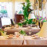 Ресторан Гюго - фотография 3 - Летняя веранда