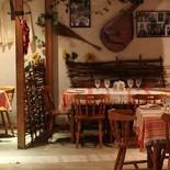 Ресторан Веселая кума - фотография 1