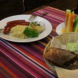 Ресторан Ганс - фотография 2 - Екатеринбург. «Ганс» Острые, подкопчёные охотничьи колбаски и Баварская тушеная капуста