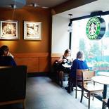 Ресторан Starbucks - фотография 2 - Наш уютный закуток