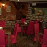 Ресторан Робин Бобин - фотография 2 - Третий отдельный уютный зал с огромным аквариумом и плазмой. Расчитан на 12-15 чел.