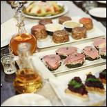Ресторан Lavkalavka. Кафе - фотография 3 - закуски для заседания самогонного клуба