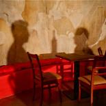 Ресторан Zavtra - фотография 6 - Круглый зал: зал за сценой, очень необычное дизайнерское решение, возможность побыть в back stage.