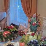Ресторан Белый рояль - фотография 2 - Накрытие на стол для мероприятия.