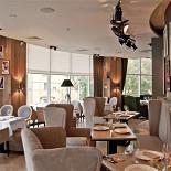 Ресторан Famous - фотография 2