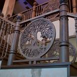 Ресторан Festus - фотография 4 - Лестница на второй этаж