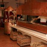 Ресторан Улькер - фотография 1 - Вкуснейшее мясо, выпечка из печи, прекрасные овощные блюда и винная карта.