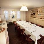 """Ресторан Хоум - фотография 5 - Зал """"Кухонька"""" - на 14 человек, караоке."""