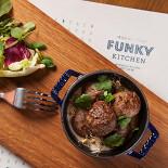 Ресторан Funky Kitchen - фотография 4