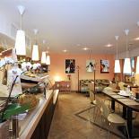 Ресторан Терракот - фотография 5 - Основной зал: кафетерий-кондитерская