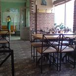 """Ресторан Пиццбург - фотография 2 - Сразу слева от входа- зал для курилок. Кросс-афчеги само собой, тока кондишн работал зверски: на  обычный день в пустыне Сахара было норм  Вот общая атмосфЭра зала курилок: я бы сказал """"вполне""""."""