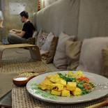 Ресторан Йогадом - фотография 3 - Панир, обжаренный со специями и овощи в сливочном соусе карри