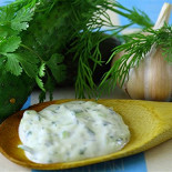"""Ресторан Lucky Souvlaki - фотография 6 - греческий соус """"дзадзики"""""""