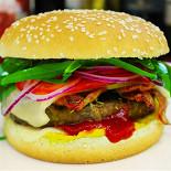 Ресторан Vapiano - фотография 5 - бургер BigVap