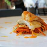 Ресторан Emporio café - фотография 1 - Палтус с жульеном из овощей