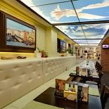 Ресторан Da Pino - фотография 5 - Диванная зона в ресторане.