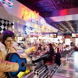 Ресторан Beverly Hills Diner - фотография 3