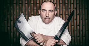 Познакомьтесь с поваром Хосе Гордоном. Он готовит лучшие стейки в мире