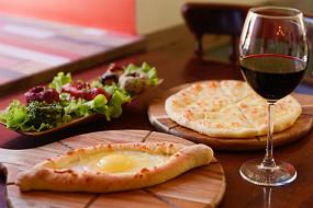 Хачапури и вино