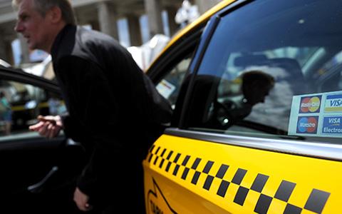 Как разные службы такси выбирают водителей