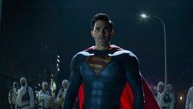 8 онлайн-премьер недели: «Супермен и Лоис», «Джинни и Джорджия», новые «Ходячие мертвецы»