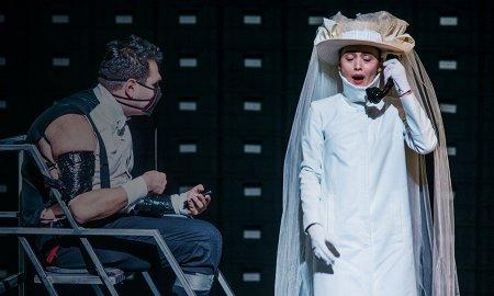 музыкальных спектаклей, из которых можно что-то понять про современную оперу