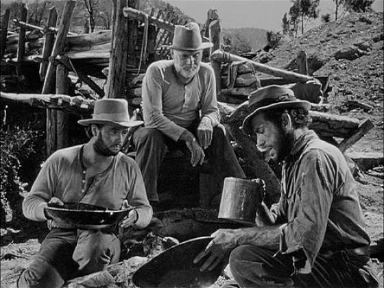 Уолтер Хьюстон (Walter Huston)