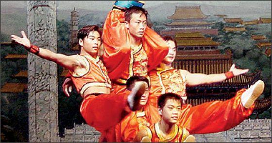 Представление китайского цирка «Цунь Тянь»