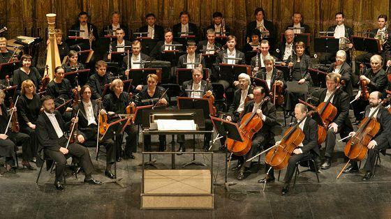Солисты и оркестр театра «Новая опера». Дирижер Андрей Лебедев