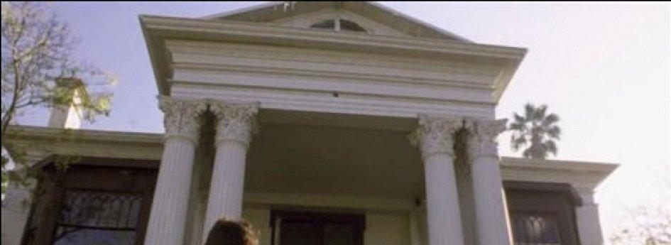 Кино: «Безумные соседи»
