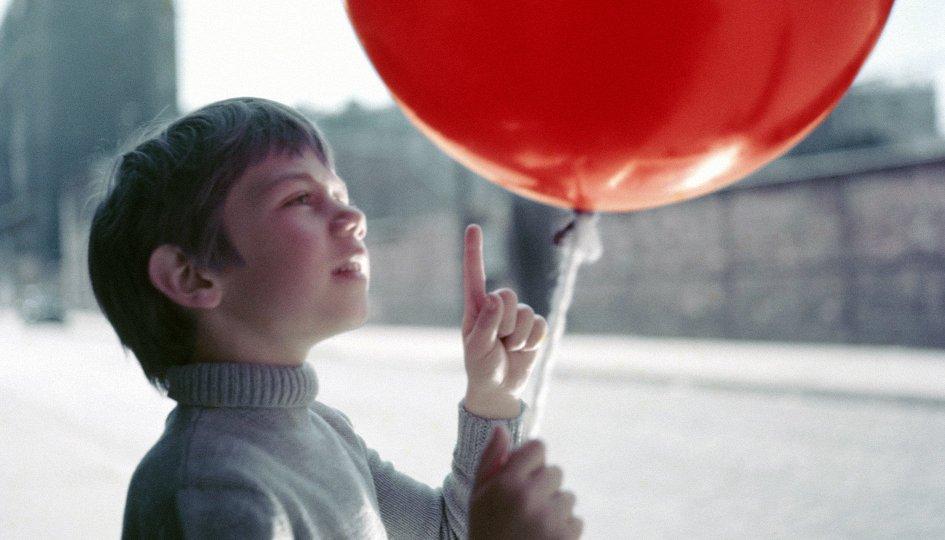 Кино: «Красный шар»
