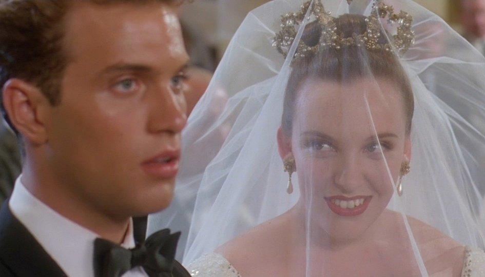 Кино: «Свадьба Мюриэл»