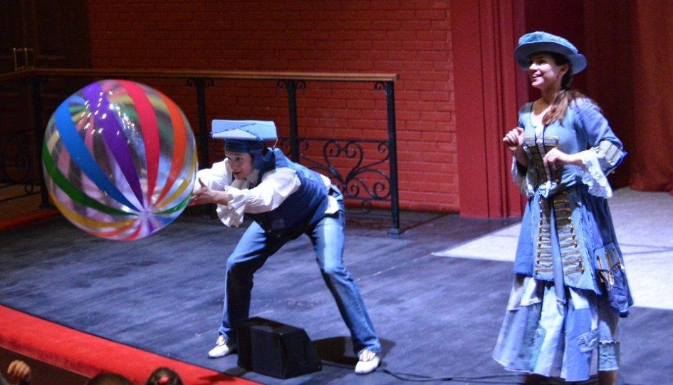 Театр: Новый год в сказочном городе