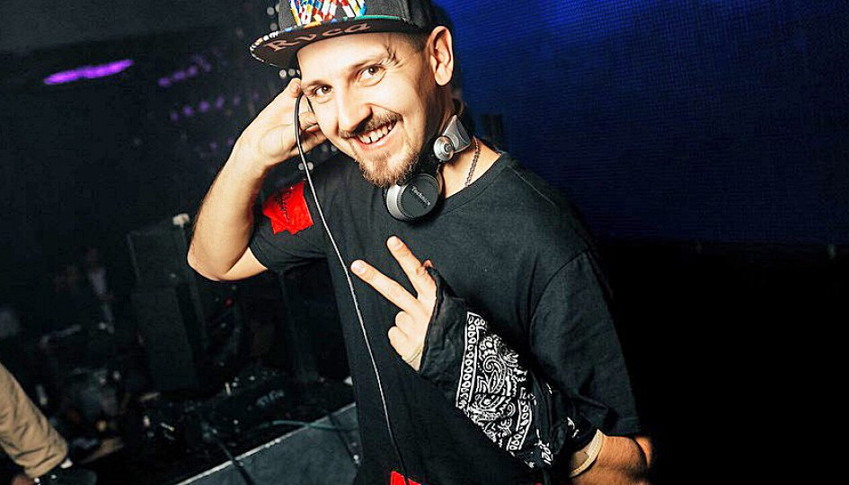 Концерты: «Light My Idol»: DJs Ozz, Lightmix
