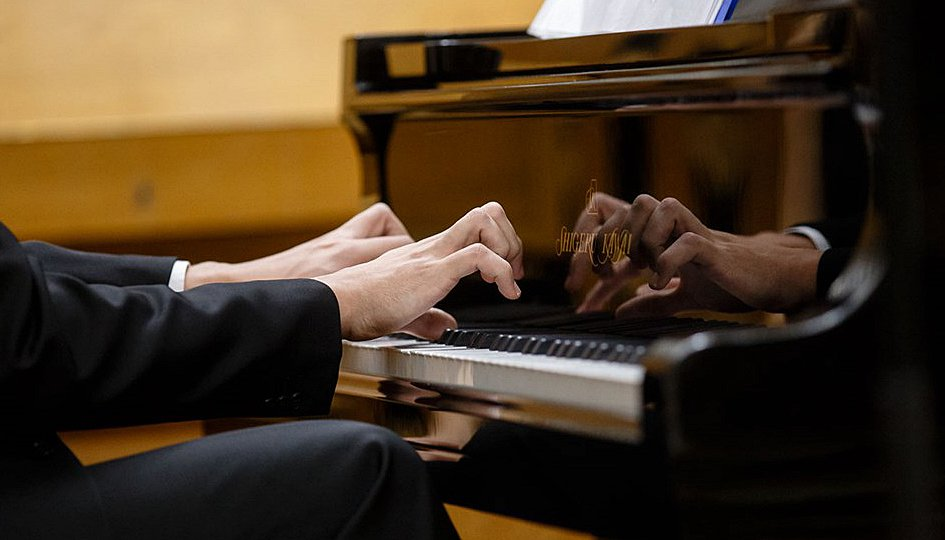Концерты: James Last Orchestra. Дирижер Грег Фрэнсис