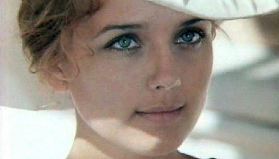 Кино: «Ирина Алферова. Не родись красивой»