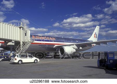 Boston logan american airlines terminal